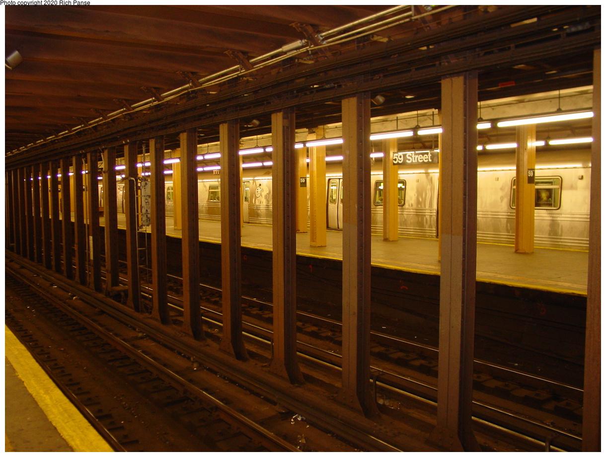 (78k, 820x620)<br><b>Country:</b> United States<br><b>City:</b> New York<br><b>System:</b> New York City Transit<br><b>Line:</b> BMT 4th Avenue<br><b>Location:</b> 59th Street <br><b>Photo by:</b> Richard Panse<br><b>Date:</b> 4/9/2002<br><b>Viewed (this week/total):</b> 2 / 5289