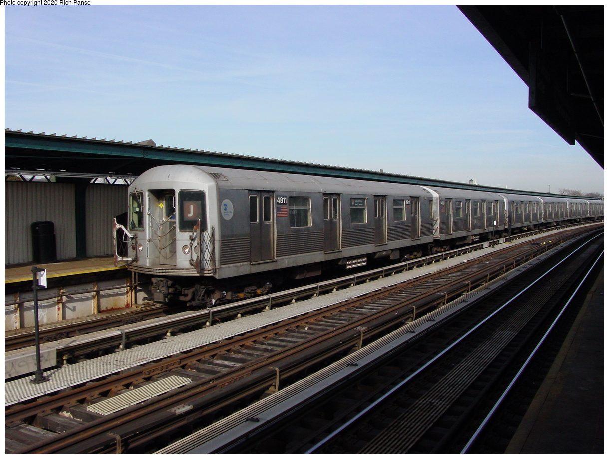 (76k, 820x620)<br><b>Country:</b> United States<br><b>City:</b> New York<br><b>System:</b> New York City Transit<br><b>Line:</b> BMT Nassau Street/Jamaica Line<br><b>Location:</b> 111th Street <br><b>Route:</b> J<br><b>Car:</b> R-42 (St. Louis, 1969-1970)  4811 <br><b>Photo by:</b> Richard Panse<br><b>Date:</b> 2/3/2003<br><b>Viewed (this week/total):</b> 5 / 3809