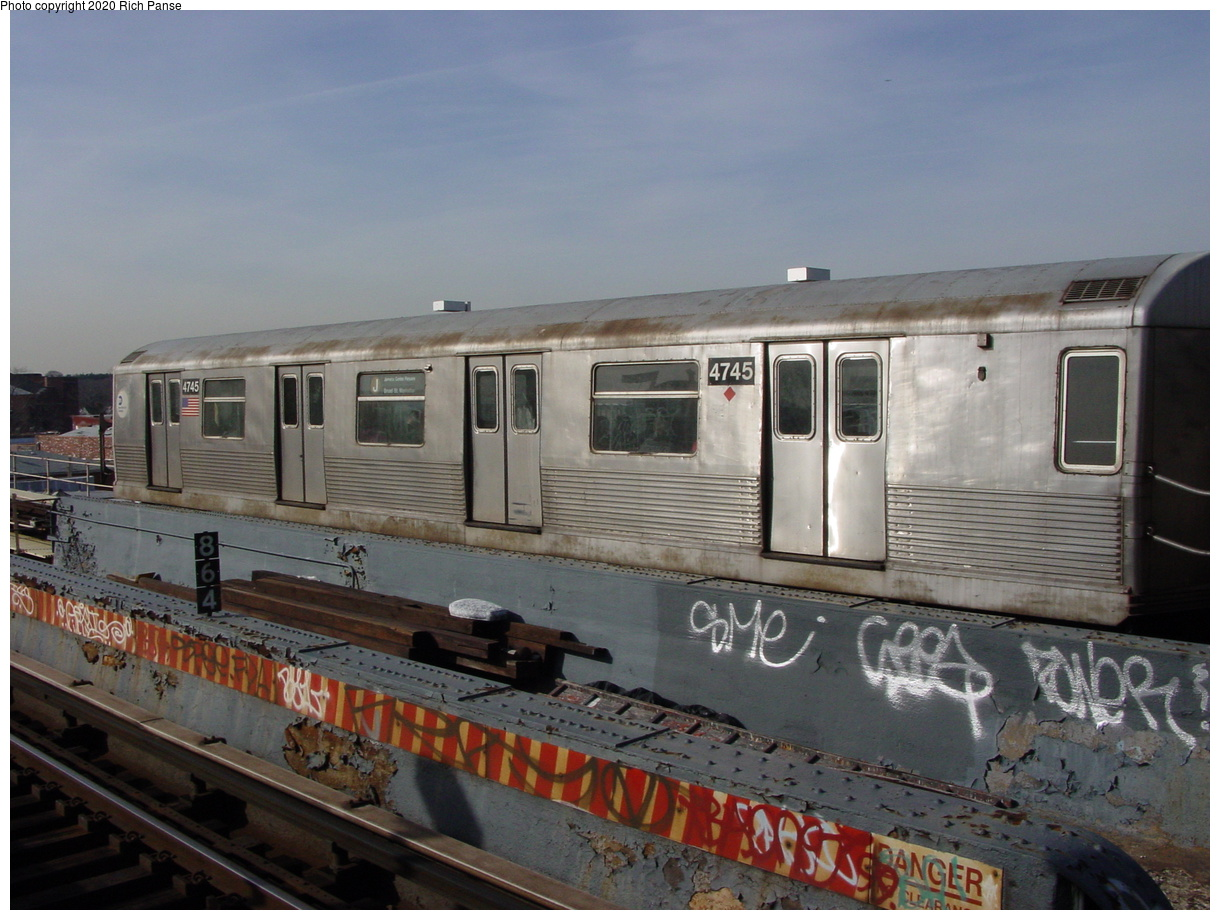 (71k, 820x620)<br><b>Country:</b> United States<br><b>City:</b> New York<br><b>System:</b> New York City Transit<br><b>Line:</b> BMT Nassau Street/Jamaica Line<br><b>Location:</b> 121st Street <br><b>Route:</b> J<br><b>Car:</b> R-42 (St. Louis, 1969-1970)  4745 <br><b>Photo by:</b> Richard Panse<br><b>Date:</b> 2/3/2003<br><b>Viewed (this week/total):</b> 0 / 4490
