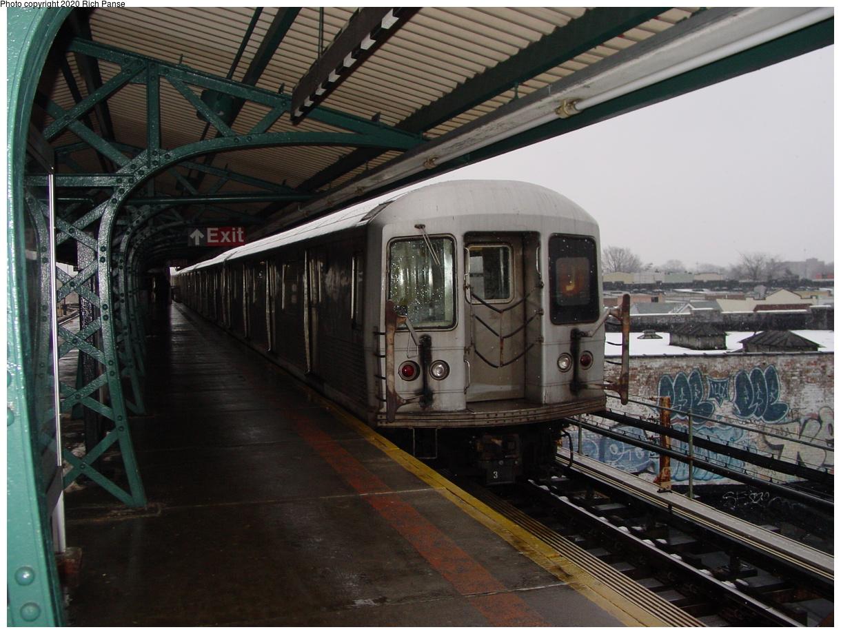 (85k, 820x620)<br><b>Country:</b> United States<br><b>City:</b> New York<br><b>System:</b> New York City Transit<br><b>Line:</b> BMT Nassau Street/Jamaica Line<br><b>Location:</b> Crescent Street <br><b>Route:</b> J<br><b>Car:</b> R-42 (St. Louis, 1969-1970)   <br><b>Photo by:</b> Richard Panse<br><b>Date:</b> 2/10/2003<br><b>Viewed (this week/total):</b> 3 / 4429