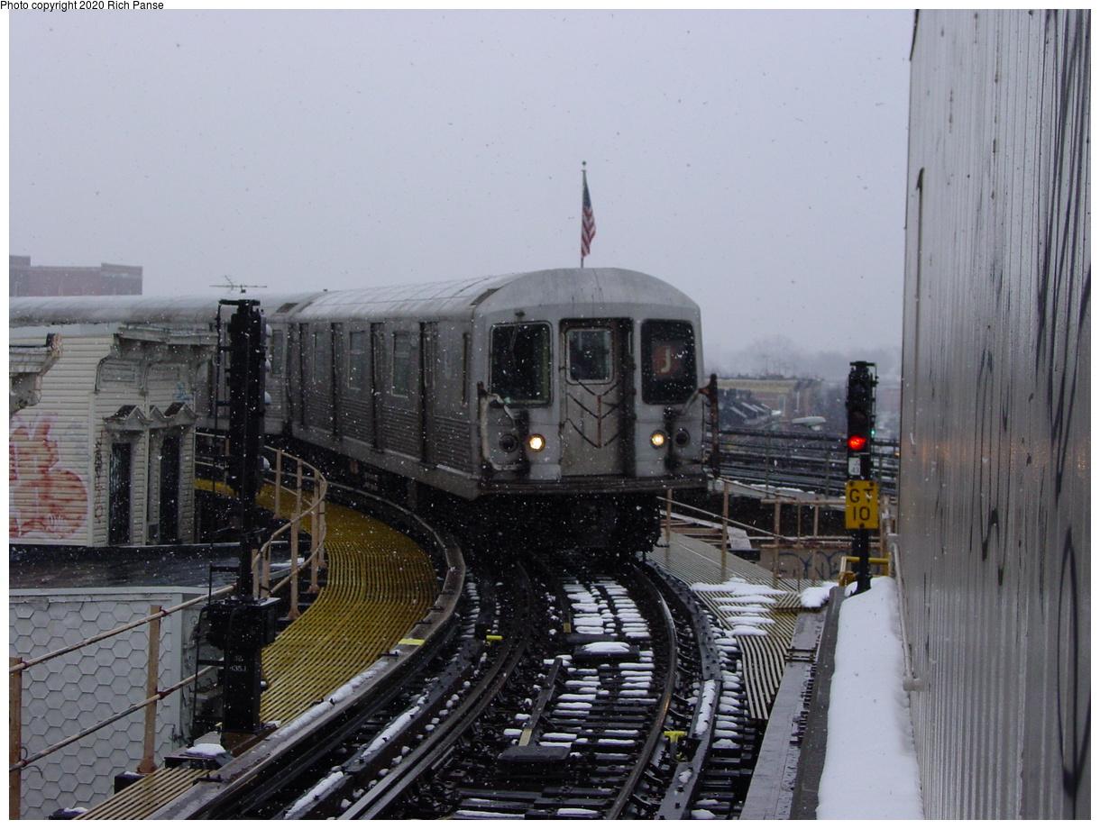 (77k, 820x620)<br><b>Country:</b> United States<br><b>City:</b> New York<br><b>System:</b> New York City Transit<br><b>Line:</b> BMT Nassau Street/Jamaica Line<br><b>Location:</b> Crescent Street <br><b>Route:</b> J<br><b>Car:</b> R-42 (St. Louis, 1969-1970)   <br><b>Photo by:</b> Richard Panse<br><b>Date:</b> 2/10/2003<br><b>Viewed (this week/total):</b> 0 / 5549