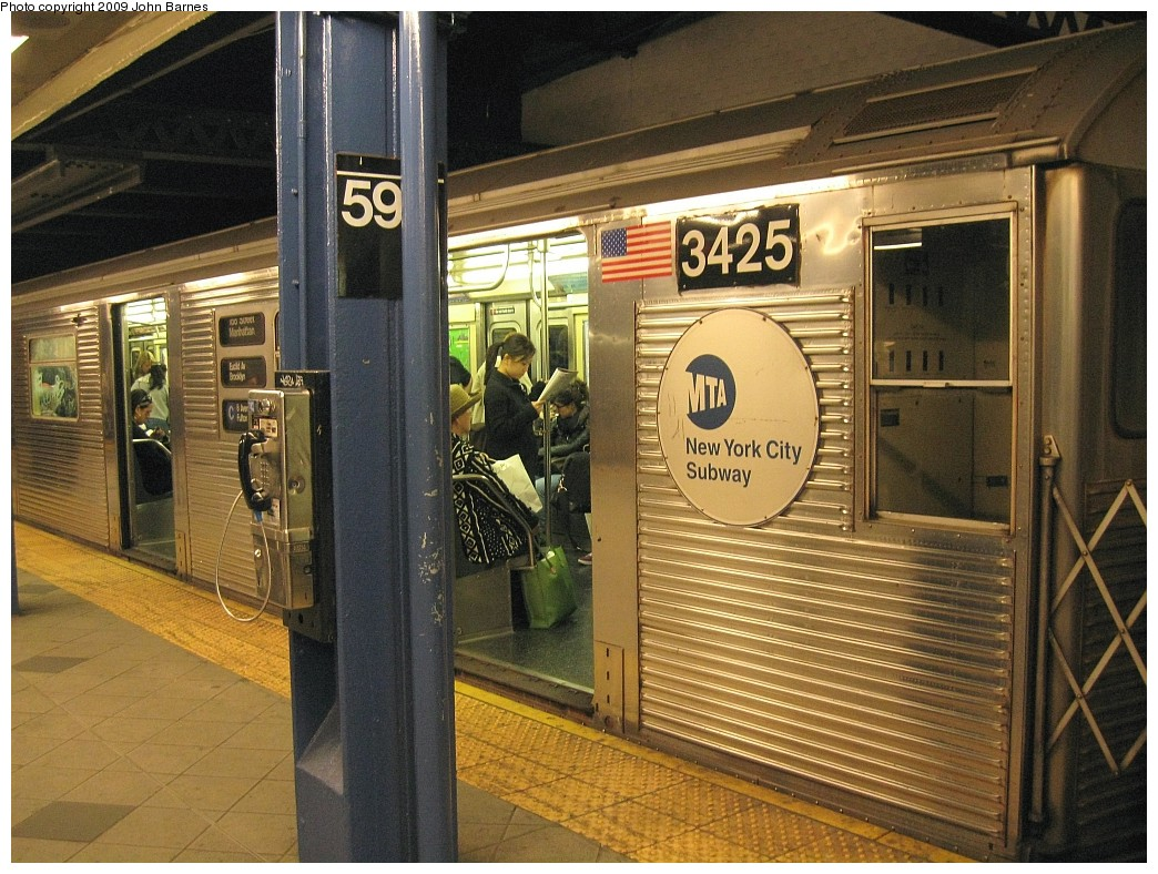 (270k, 1044x788)<br><b>Country:</b> United States<br><b>City:</b> New York<br><b>System:</b> New York City Transit<br><b>Line:</b> IND 8th Avenue Line<br><b>Location:</b> 59th Street/Columbus Circle <br><b>Route:</b> C<br><b>Car:</b> R-32 (Budd, 1964)  3425 <br><b>Photo by:</b> John Barnes<br><b>Date:</b> 4/29/2009<br><b>Viewed (this week/total):</b> 2 / 1608