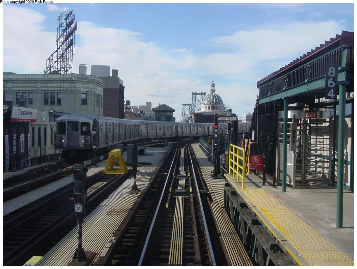 (88k, 820x620)<br><b>Country:</b> United States<br><b>City:</b> New York<br><b>System:</b> New York City Transit<br><b>Line:</b> BMT Nassau Street/Jamaica Line<br><b>Location:</b> Marcy Avenue <br><b>Route:</b> M<br><b>Car:</b> R-42 (St. Louis, 1969-1970)   <br><b>Photo by:</b> Richard Panse<br><b>Date:</b> 2/5/2003<br><b>Viewed (this week/total):</b> 0 / 5581
