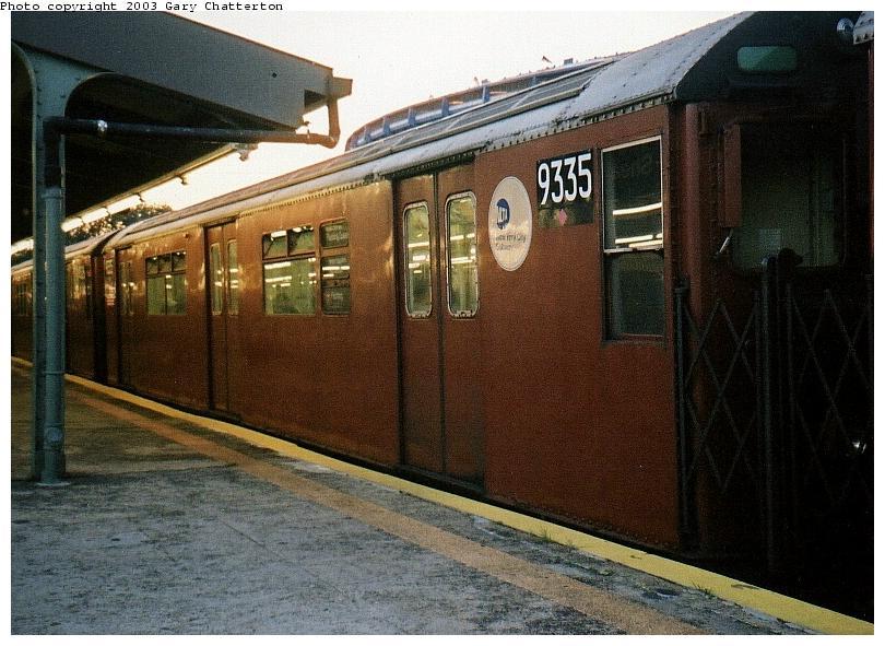 (87k, 810x591)<br><b>Country:</b> United States<br><b>City:</b> New York<br><b>System:</b> New York City Transit<br><b>Line:</b> IRT Flushing Line<br><b>Location:</b> Willets Point/Mets (fmr. Shea Stadium) <br><b>Route:</b> 7<br><b>Car:</b> R-33 World's Fair (St. Louis, 1963-64) 9335 <br><b>Photo by:</b> Gary Chatterton<br><b>Date:</b> 10/2002<br><b>Viewed (this week/total):</b> 0 / 2308