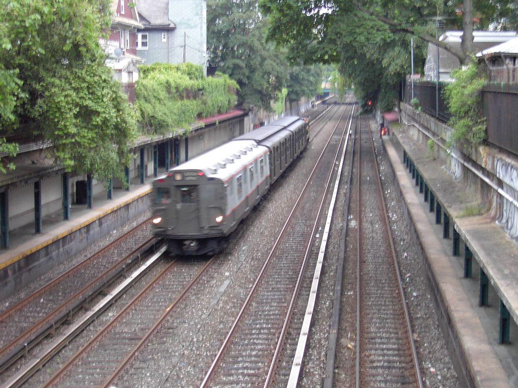 (184k, 1024x768)<br><b>Country:</b> United States<br><b>City:</b> New York<br><b>System:</b> New York City Transit<br><b>Line:</b> BMT Brighton Line<br><b>Location:</b> Beverley Road <br><b>Route:</b> Fan Trip<br><b>Car:</b> R-7A (Pullman, 1938)  1575 <br><b>Photo by:</b> Brian Weinberg<br><b>Date:</b> 6/8/2003<br><b>Viewed (this week/total):</b> 0 / 5721