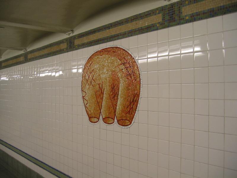 (48k, 800x600)<br><b>Country:</b> United States<br><b>City:</b> New York<br><b>System:</b> New York City Transit<br><b>Line:</b> BMT Broadway Line<br><b>Location:</b> 28th Street <br><b>Photo by:</b> Warren Sze<br><b>Date:</b> 5/27/2003<br><b>Artwork:</b> <i>City Dwellers</i>, Mark Hadjipateras (2002).<br><b>Viewed (this week/total):</b> 1 / 1764