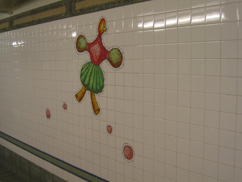 (40k, 800x600)<br><b>Country:</b> United States<br><b>City:</b> New York<br><b>System:</b> New York City Transit<br><b>Line:</b> BMT Broadway Line<br><b>Location:</b> 28th Street <br><b>Photo by:</b> Warren Sze<br><b>Date:</b> 5/27/2003<br><b>Artwork:</b> <i>City Dwellers</i>, Mark Hadjipateras (2002).<br><b>Viewed (this week/total):</b> 0 / 1945