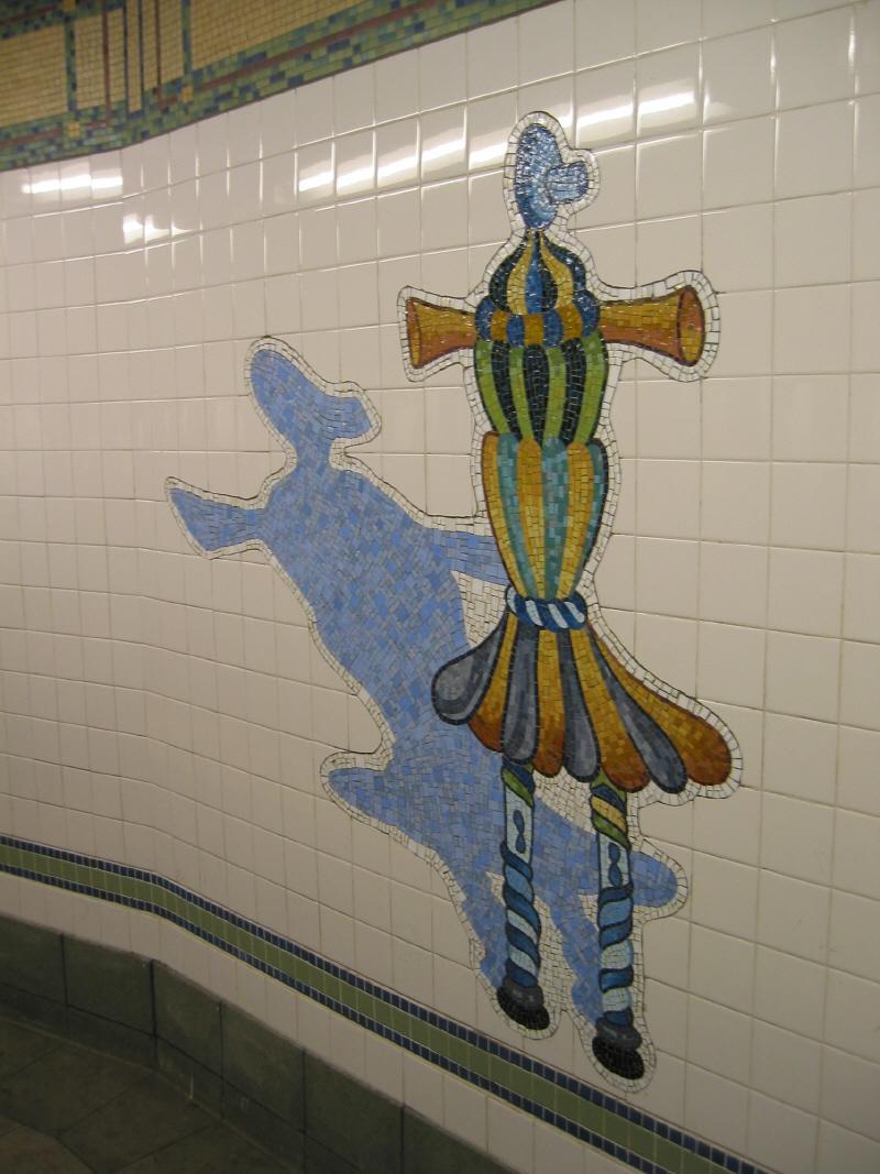 (93k, 800x1067)<br><b>Country:</b> United States<br><b>City:</b> New York<br><b>System:</b> New York City Transit<br><b>Line:</b> BMT Broadway Line<br><b>Location:</b> 28th Street <br><b>Photo by:</b> Warren Sze<br><b>Date:</b> 5/31/2003<br><b>Artwork:</b> <i>City Dwellers</i>, Mark Hadjipateras (2002).<br><b>Viewed (this week/total):</b> 3 / 2659