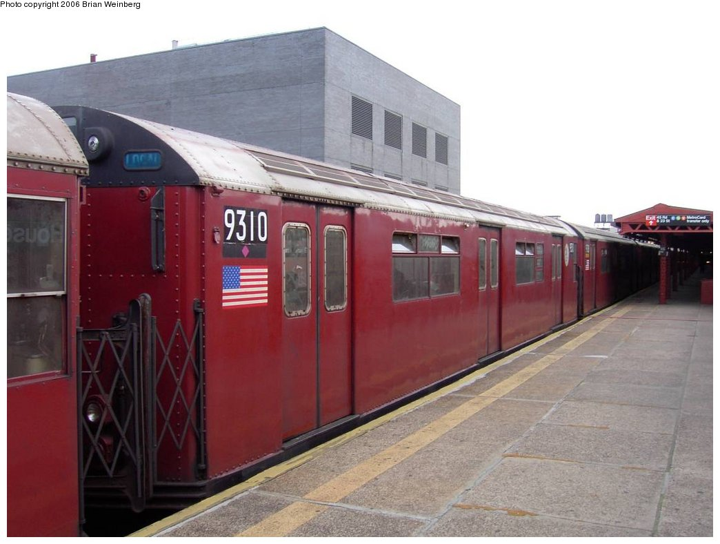 (137k, 1044x788)<br><b>Country:</b> United States<br><b>City:</b> New York<br><b>System:</b> New York City Transit<br><b>Line:</b> IRT Flushing Line<br><b>Location:</b> Court House Square/45th Road <br><b>Car:</b> R-33 World's Fair (St. Louis, 1963-64) 9310 <br><b>Photo by:</b> Brian Weinberg<br><b>Date:</b> 6/17/2003<br><b>Viewed (this week/total):</b> 0 / 3292