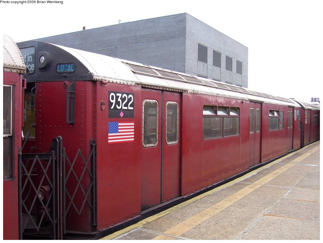 (148k, 1044x788)<br><b>Country:</b> United States<br><b>City:</b> New York<br><b>System:</b> New York City Transit<br><b>Line:</b> IRT Flushing Line<br><b>Location:</b> Court House Square/45th Road <br><b>Car:</b> R-33 World's Fair (St. Louis, 1963-64) 9322 <br><b>Photo by:</b> Brian Weinberg<br><b>Date:</b> 6/17/2003<br><b>Viewed (this week/total):</b> 1 / 2351