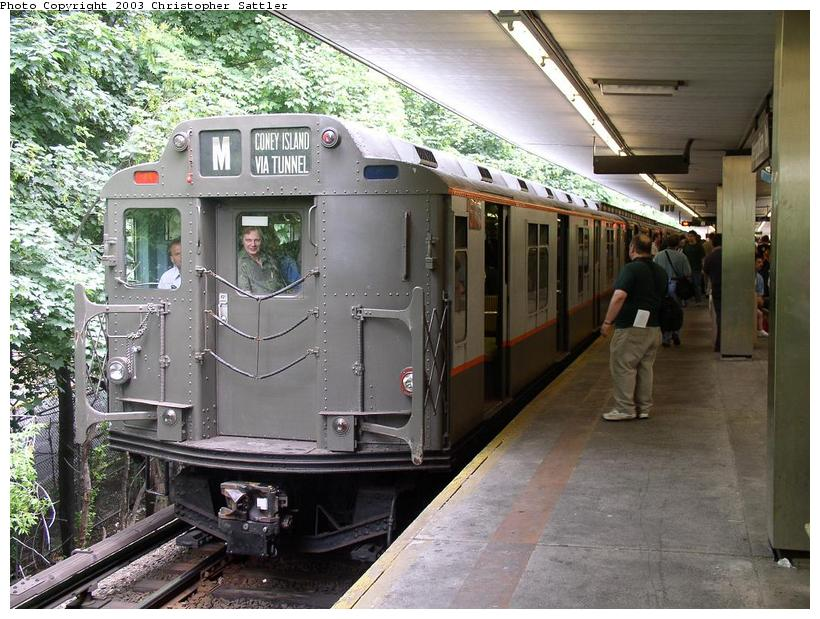 (106k, 820x619)<br><b>Country:</b> United States<br><b>City:</b> New York<br><b>System:</b> New York City Transit<br><b>Line:</b> BMT Myrtle Avenue Line<br><b>Location:</b> Metropolitan Avenue <br><b>Route:</b> Fan Trip<br><b>Car:</b> R-7A (Pullman, 1938)  1575 <br><b>Photo by:</b> Christopher Sattler<br><b>Date:</b> 6/28/2003<br><b>Viewed (this week/total):</b> 0 / 4116