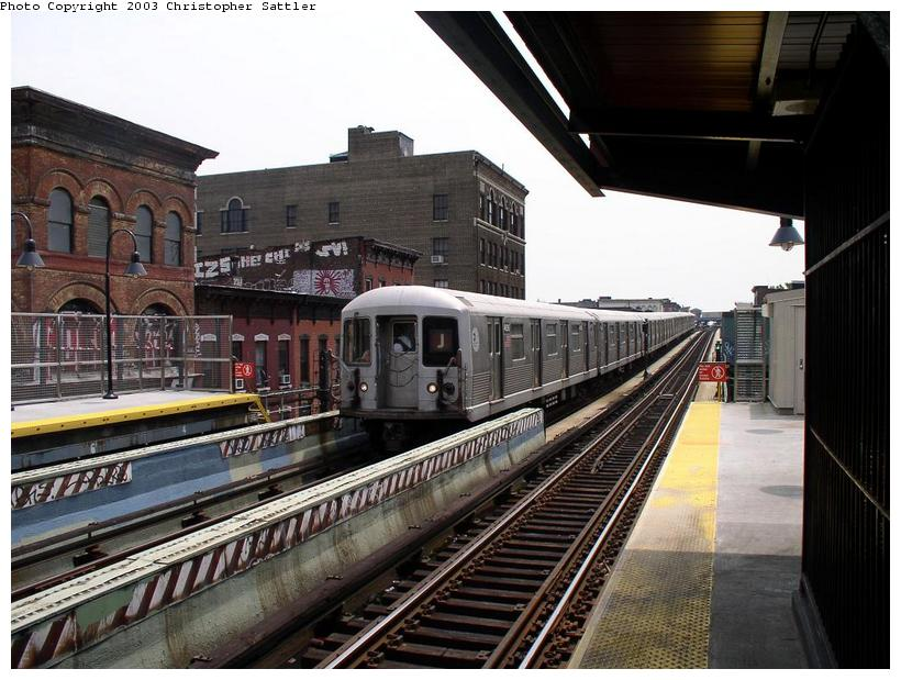 (92k, 820x619)<br><b>Country:</b> United States<br><b>City:</b> New York<br><b>System:</b> New York City Transit<br><b>Line:</b> BMT Nassau Street/Jamaica Line<br><b>Location:</b> Flushing Avenue <br><b>Car:</b> R-42 (St. Louis, 1969-1970)   <br><b>Photo by:</b> Christopher Sattler<br><b>Date:</b> 7/2/2003<br><b>Viewed (this week/total):</b> 0 / 4046