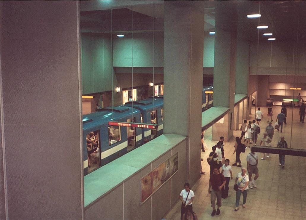 (111k, 1031x743)<br><b>Country:</b> Canada<br><b>City:</b> Montréal, Québec<br><b>System:</b> STM-Metro<br><b>Line:</b> STM Green Line <br><b>Location:</b> Berri-UQAM <br><b>Photo by:</b> Tristan Zieley<br><b>Date:</b> 7/6/2003<br><b>Viewed (this week/total):</b> 0 / 4033