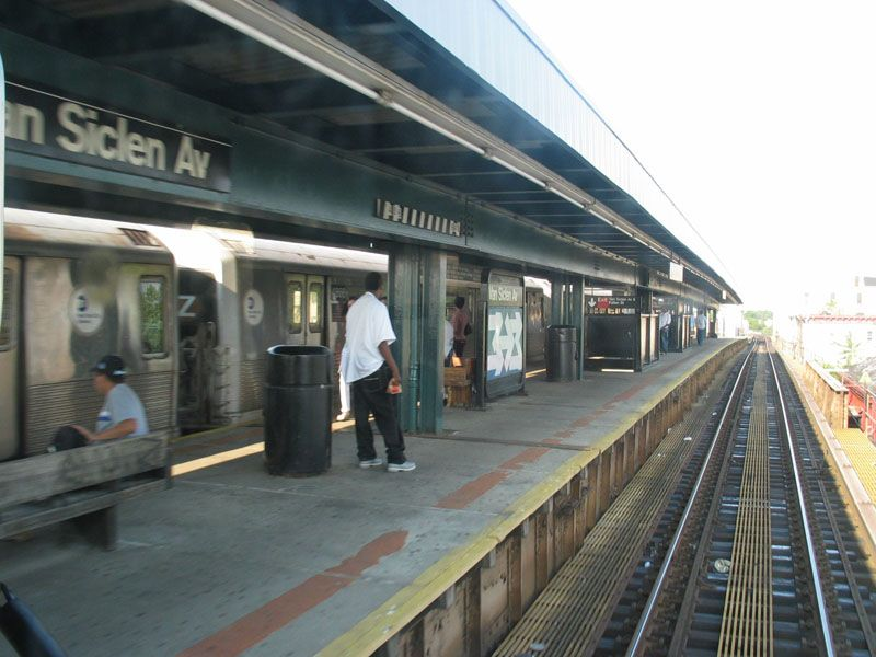 (96k, 800x600)<br><b>Country:</b> United States<br><b>City:</b> New York<br><b>System:</b> New York City Transit<br><b>Line:</b> BMT Nassau Street/Jamaica Line<br><b>Location:</b> Van Siclen Avenue <br><b>Photo by:</b> Robert Pastore<br><b>Date:</b> 4/27/2003<br><b>Viewed (this week/total):</b> 0 / 4415