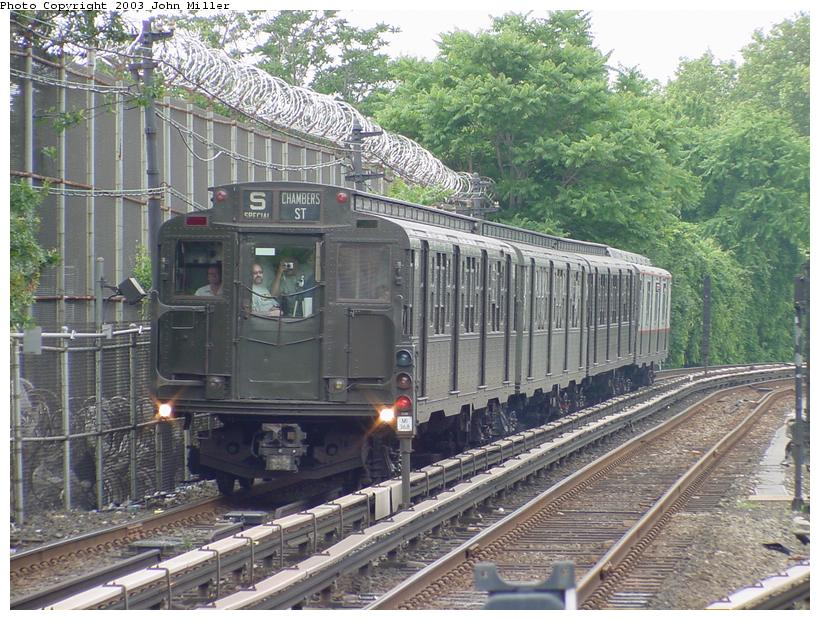 (119k, 820x620)<br><b>Country:</b> United States<br><b>City:</b> New York<br><b>System:</b> New York City Transit<br><b>Line:</b> BMT Myrtle Avenue Line<br><b>Location:</b> Metropolitan Avenue <br><b>Route:</b> Fan Trip<br><b>Car:</b> R-4 (American Car & Foundry, 1932-1933) 484 <br><b>Photo by:</b> John Miller<br><b>Date:</b> 6/28/2003<br><b>Viewed (this week/total):</b> 0 / 4761