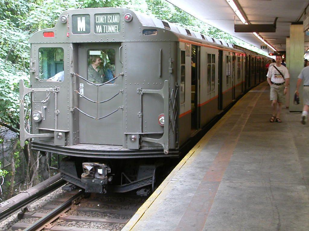 (174k, 1024x768)<br><b>Country:</b> United States<br><b>City:</b> New York<br><b>System:</b> New York City Transit<br><b>Line:</b> BMT Myrtle Avenue Line<br><b>Location:</b> Metropolitan Avenue <br><b>Route:</b> Fan Trip<br><b>Car:</b> R-7A (Pullman, 1938)  1575 <br><b>Photo by:</b> Frank Hicks<br><b>Date:</b> 6/28/2003<br><b>Viewed (this week/total):</b> 0 / 3680