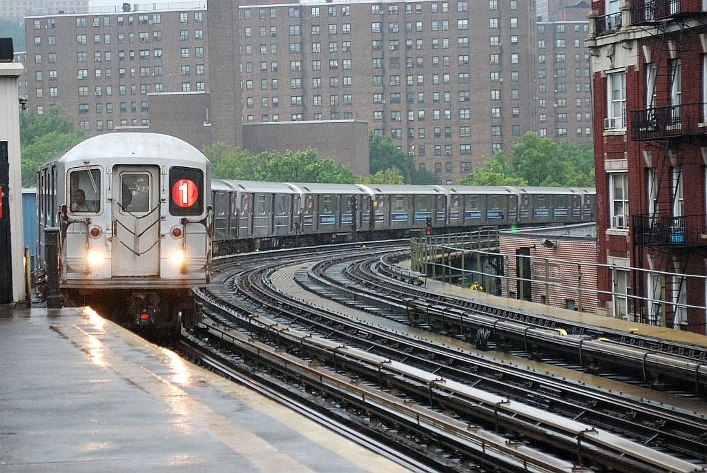 (211k, 1024x685)<br><b>Country:</b> United States<br><b>City:</b> New York<br><b>System:</b> New York City Transit<br><b>Line:</b> IRT West Side Line<br><b>Location:</b> 207th Street <br><b>Route:</b> 1<br><b>Car:</b> R-62A (Bombardier, 1984-1987)   <br><b>Photo by:</b> Richard Chase<br><b>Date:</b> 8/2/2009<br><b>Viewed (this week/total):</b> 0 / 1457