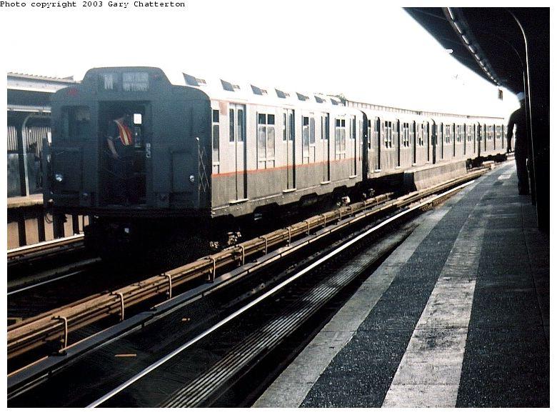 (98k, 780x581)<br><b>Country:</b> United States<br><b>City:</b> New York<br><b>System:</b> New York City Transit<br><b>Line:</b> IND Fulton Street Line<br><b>Location:</b> Rockaway Boulevard <br><b>Route:</b> Fan Trip<br><b>Car:</b> R-7A (Pullman, 1938)  1575 <br><b>Photo by:</b> Gary Chatterton<br><b>Date:</b> 6/28/2003<br><b>Viewed (this week/total):</b> 0 / 2945