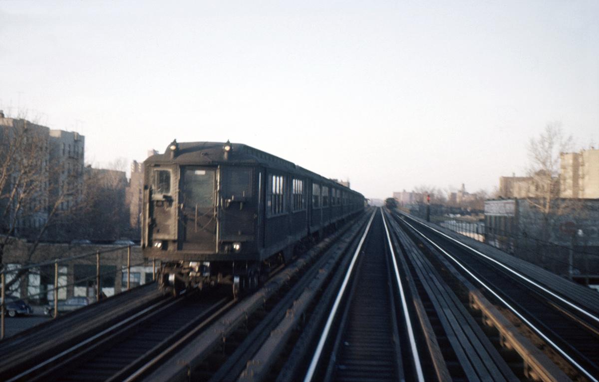 (311k, 1200x765)<br><b>Country:</b> United States<br><b>City:</b> New York<br><b>System:</b> New York City Transit<br><b>Line:</b> IRT White Plains Road Line<br><b>Location:</b> Bronx Park East <br><b>Car:</b> Low-V  <br><b>Photo by:</b> Ed Davis, Sr.<br><b>Collection of:</b> David Pirmann<br><b>Date:</b> 2/1960<br><b>Viewed (this week/total):</b> 3 / 4821