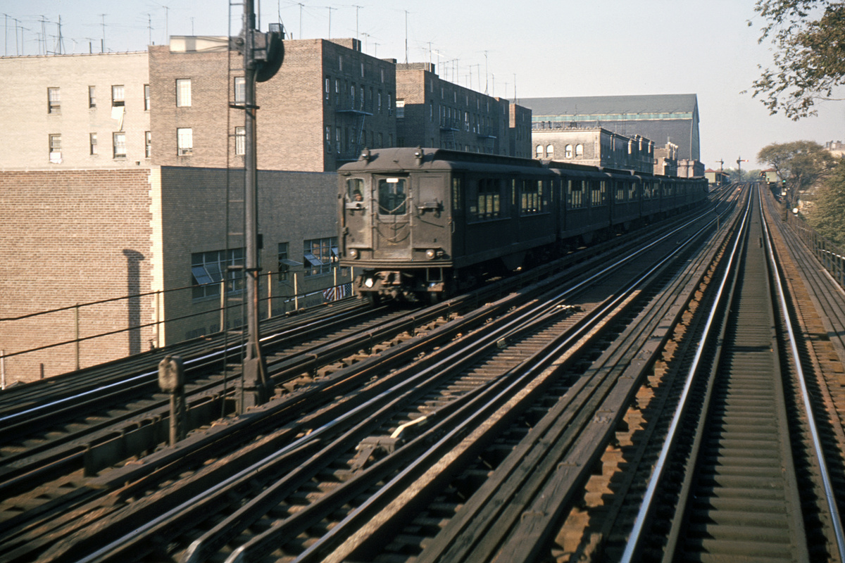 (389k, 1024x683)<br><b>Country:</b> United States<br><b>City:</b> New York<br><b>System:</b> New York City Transit<br><b>Line:</b> IRT Woodlawn Line<br><b>Location:</b> Fordham Road <br><b>Car:</b> Low-V  <br><b>Photo by:</b> Ed Davis, Sr.<br><b>Collection of:</b> David Pirmann<br><b>Date:</b> 2/1964<br><b>Viewed (this week/total):</b> 0 / 3514