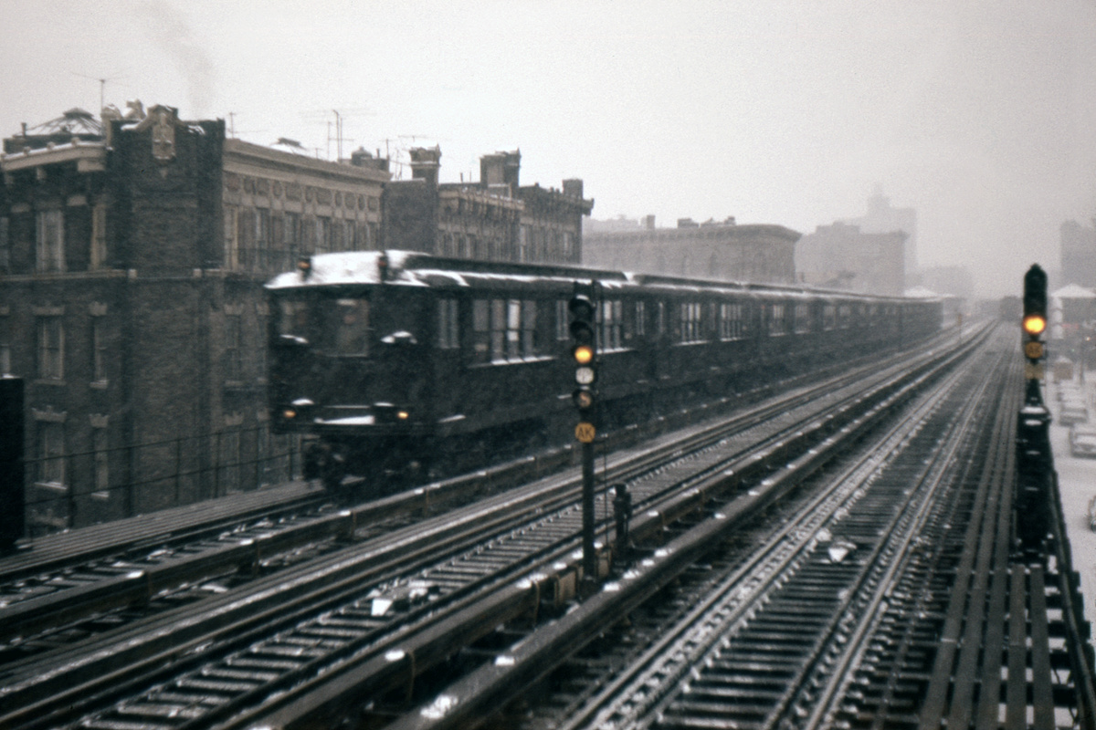 (207k, 1024x683)<br><b>Country:</b> United States<br><b>City:</b> New York<br><b>System:</b> New York City Transit<br><b>Line:</b> IRT White Plains Road Line<br><b>Location:</b> Prospect Avenue <br><b>Car:</b> Low-V  <br><b>Photo by:</b> Ed Davis, Sr.<br><b>Collection of:</b> David Pirmann<br><b>Date:</b> 2/1965<br><b>Viewed (this week/total):</b> 1 / 3536