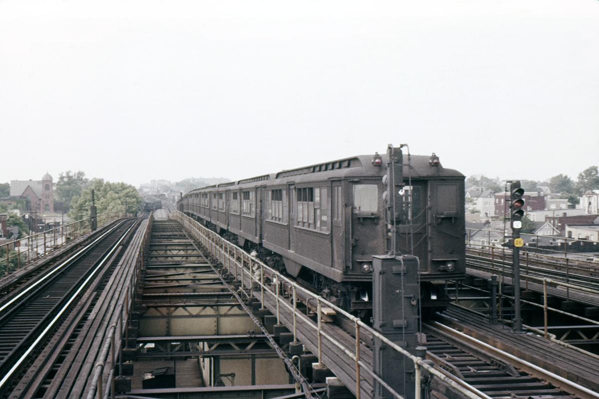 (338k, 1044x712)<br><b>Country:</b> United States<br><b>City:</b> New York<br><b>System:</b> New York City Transit<br><b>Line:</b> IRT White Plains Road Line<br><b>Location:</b> Gun Hill Road <br><b>Car:</b> Low-V 4656 <br><b>Photo by:</b> Ed Davis, Sr.<br><b>Collection of:</b> David Pirmann<br><b>Viewed (this week/total):</b> 3 / 4288