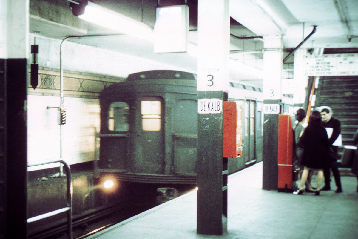(291k, 1024x683)<br><b>Country:</b> United States<br><b>City:</b> New York<br><b>System:</b> New York City Transit<br><b>Location:</b> DeKalb Avenue<br><b>Car:</b> BMT A/B-Type Standard  <br><b>Collection of:</b> David Pirmann<br><b>Viewed (this week/total):</b> 3 / 4375