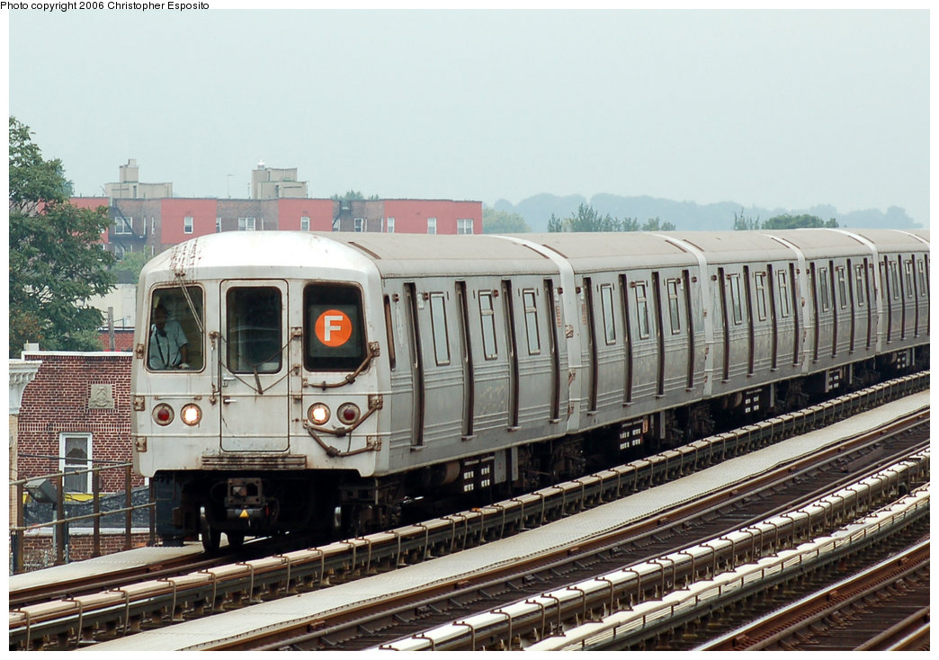 (199k, 1044x734)<br><b>Country:</b> United States<br><b>City:</b> New York<br><b>System:</b> New York City Transit<br><b>Line:</b> BMT Culver Line<br><b>Location:</b> Bay Parkway (22nd Avenue) <br><b>Route:</b> F<br><b>Car:</b> R-46 (Pullman-Standard, 1974-75)  <br><b>Photo by:</b> Christopher Esposito<br><b>Date:</b> 8/25/2006<br><b>Viewed (this week/total):</b> 1 / 2608