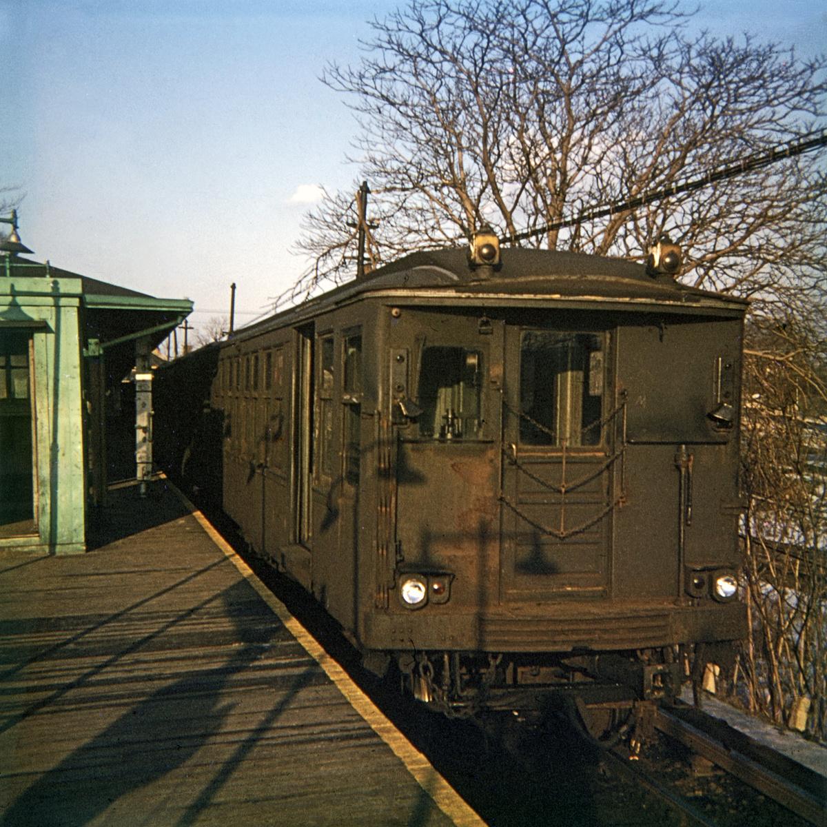 (432k, 1024x682)<br><b>Country:</b> United States<br><b>City:</b> New York<br><b>System:</b> New York City Transit<br><b>Line:</b> BMT Myrtle Avenue Line<br><b>Location:</b> Metropolitan Avenue <br><b>Car:</b> BMT Q  <br><b>Photo by:</b> Steve Hoskins<br><b>Collection of:</b> David Pirmann<br><b>Date:</b> 1/1967<br><b>Viewed (this week/total):</b> 2 / 3240