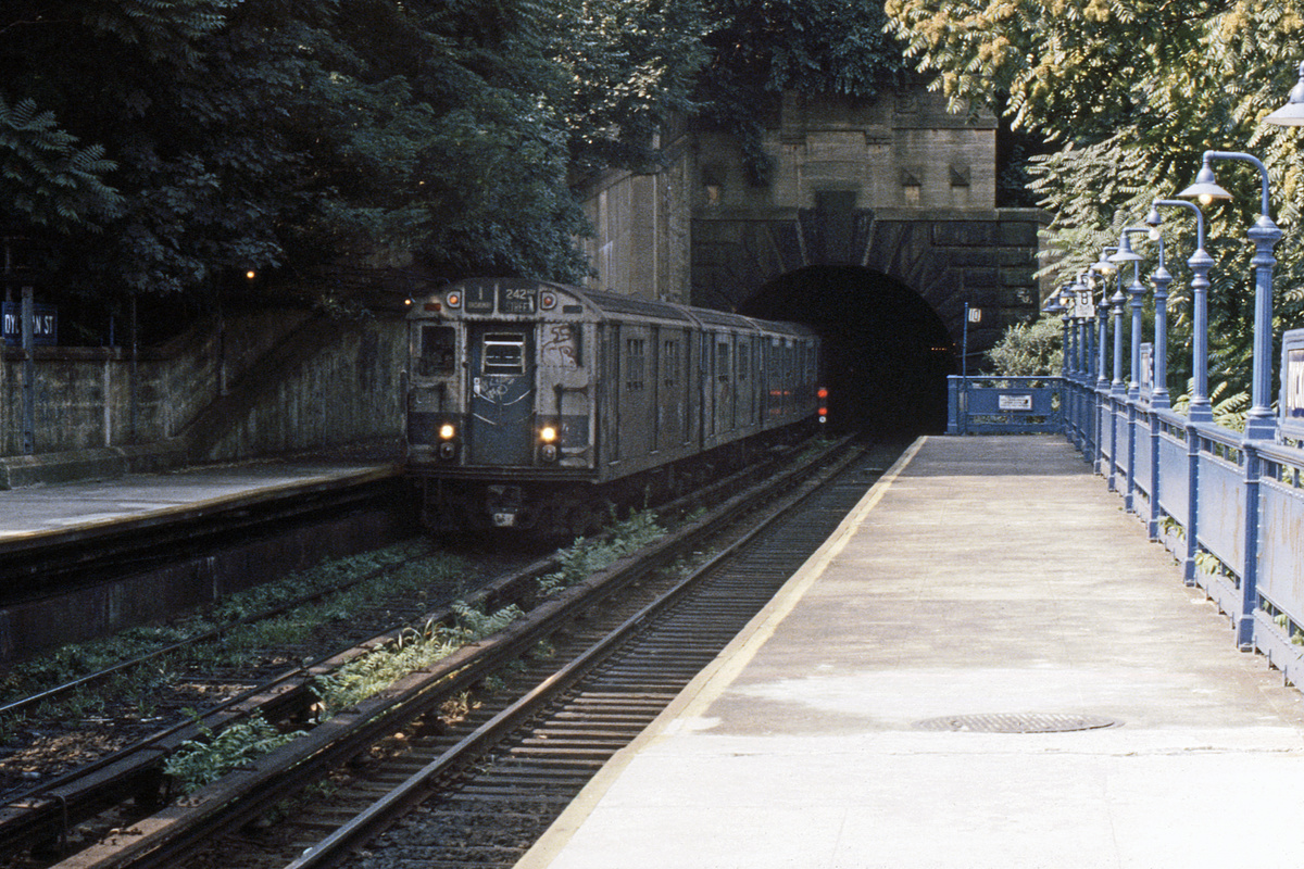 (445k, 1044x728)<br><b>Country:</b> United States<br><b>City:</b> New York<br><b>System:</b> New York City Transit<br><b>Line:</b> IRT West Side Line<br><b>Location:</b> Dyckman Street <br><b>Route:</b> 1<br><b>Car:</b> R-21/R-22 Series (Number Unknown)  <br><b>Photo by:</b> Steve Hoskins<br><b>Collection of:</b> David Pirmann<br><b>Date:</b> 8/1979<br><b>Viewed (this week/total):</b> 0 / 5611