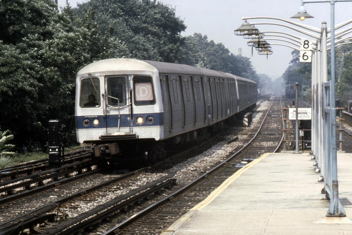 (420k, 1044x708)<br><b>Country:</b> United States<br><b>City:</b> New York<br><b>System:</b> New York City Transit<br><b>Line:</b> BMT Brighton Line<br><b>Location:</b> Kings Highway <br><b>Route:</b> D<br><b>Car:</b> R-44 (St. Louis, 1971-73)  <br><b>Photo by:</b> Steve Hoskins<br><b>Collection of:</b> David Pirmann<br><b>Date:</b> 8/1979<br><b>Viewed (this week/total):</b> 3 / 6679