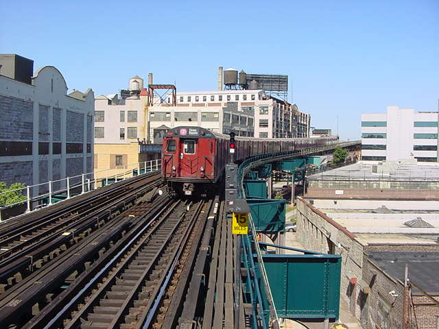(59k, 640x480)<br><b>Country:</b> United States<br><b>City:</b> New York<br><b>System:</b> New York City Transit<br><b>Line:</b> IRT Flushing Line<br><b>Location:</b> Court House Square/45th Road <br><b>Route:</b> 7<br><b>Car:</b> R-36 World's Fair (St. Louis, 1963-64)  <br><b>Photo by:</b> Salaam Allah<br><b>Date:</b> 9/17/2002<br><b>Viewed (this week/total):</b> 2 / 4863