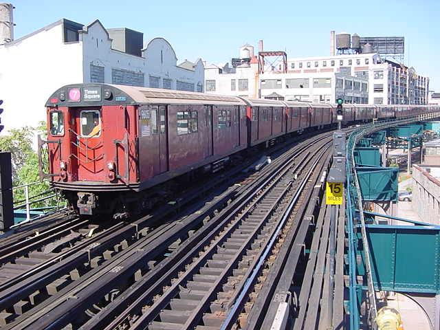 (60k, 640x480)<br><b>Country:</b> United States<br><b>City:</b> New York<br><b>System:</b> New York City Transit<br><b>Line:</b> IRT Flushing Line<br><b>Location:</b> Court House Square/45th Road <br><b>Route:</b> 7<br><b>Car:</b> R-36 World's Fair (St. Louis, 1963-64) 9605 <br><b>Photo by:</b> Salaam Allah<br><b>Date:</b> 9/17/2002<br><b>Viewed (this week/total):</b> 0 / 2804