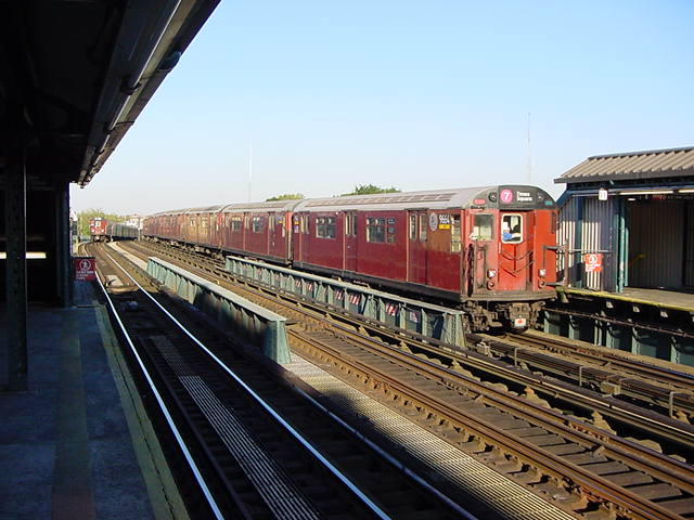 (61k, 640x480)<br><b>Country:</b> United States<br><b>City:</b> New York<br><b>System:</b> New York City Transit<br><b>Line:</b> IRT Flushing Line<br><b>Location:</b> 52nd Street/Lincoln Avenue <br><b>Route:</b> 7<br><b>Car:</b> R-36 World's Fair (St. Louis, 1963-64) 9664 <br><b>Photo by:</b> Salaam Allah<br><b>Date:</b> 9/17/2002<br><b>Viewed (this week/total):</b> 9 / 2584