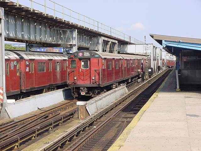 (59k, 640x480)<br><b>Country:</b> United States<br><b>City:</b> New York<br><b>System:</b> New York City Transit<br><b>Line:</b> IRT Flushing Line<br><b>Location:</b> 111th Street <br><b>Route:</b> 7<br><b>Car:</b> R-36 World's Fair (St. Louis, 1963-64)  <br><b>Photo by:</b> Salaam Allah<br><b>Date:</b> 9/21/2002<br><b>Viewed (this week/total):</b> 2 / 4686