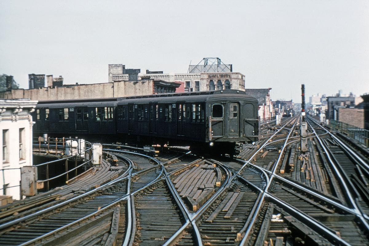 (421k, 1044x714)<br><b>Country:</b> United States<br><b>City:</b> New York<br><b>System:</b> New York City Transit<br><b>Line:</b> BMT Nassau Street/Jamaica Line<br><b>Location:</b> Myrtle Avenue <br><b>Car:</b> BMT A/B-Type Standard 2433 <br><b>Collection of:</b> David Pirmann<br><b>Viewed (this week/total):</b> 2 / 4728