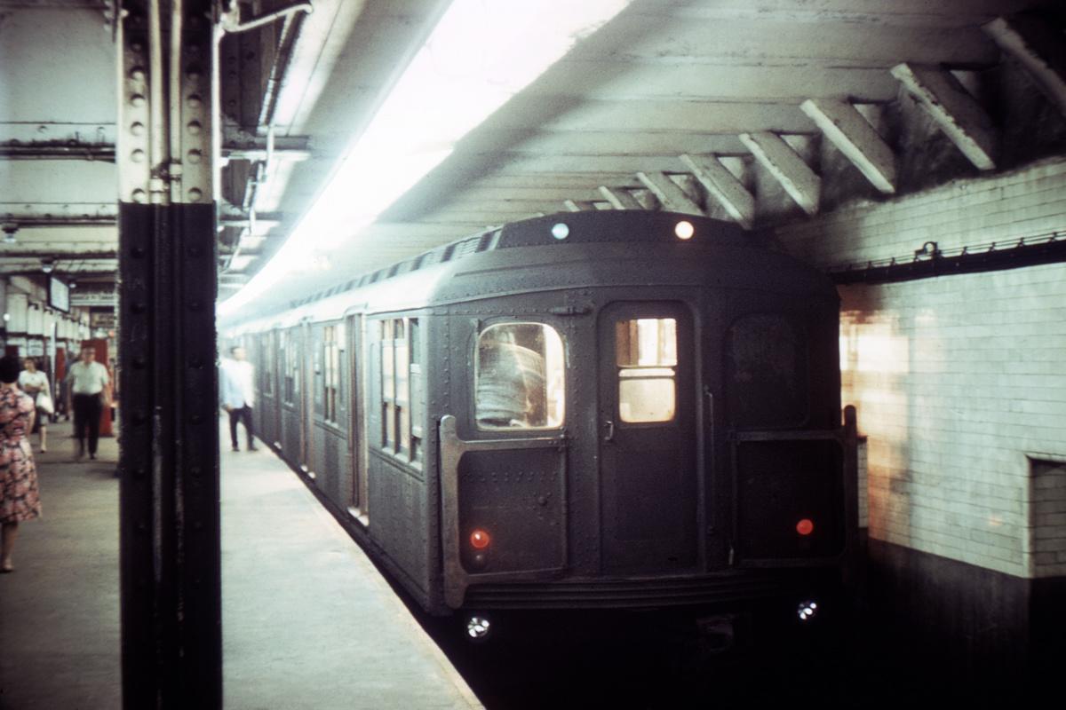 (297k, 1024x683)<br><b>Country:</b> United States<br><b>City:</b> New York<br><b>System:</b> New York City Transit<br><b>Line:</b> BMT 4th Avenue<br><b>Location:</b> Pacific Street <br><b>Car:</b> BMT A/B-Type Standard  <br><b>Collection of:</b> David Pirmann<br><b>Viewed (this week/total):</b> 2 / 4708