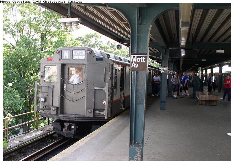 (99k, 820x576)<br><b>Country:</b> United States<br><b>City:</b> New York<br><b>System:</b> New York City Transit<br><b>Line:</b> IND Rockaway<br><b>Location:</b> Mott Avenue/Far Rockaway <br><b>Route:</b> Fan Trip<br><b>Car:</b> R-7A (Pullman, 1938)  1575 <br><b>Photo by:</b> Christopher Sattler<br><b>Date:</b> 6/28/2003<br><b>Viewed (this week/total):</b> 0 / 4001