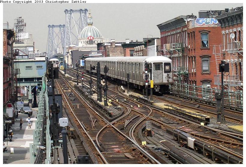 (119k, 820x556)<br><b>Country:</b> United States<br><b>City:</b> New York<br><b>System:</b> New York City Transit<br><b>Line:</b> BMT Nassau Street/Jamaica Line<br><b>Location:</b> Hewes Street <br><b>Route:</b> J<br><b>Car:</b> R-42 (St. Louis, 1969-1970)   <br><b>Photo by:</b> Christopher Sattler<br><b>Date:</b> 7/31/2003<br><b>Viewed (this week/total):</b> 0 / 11735