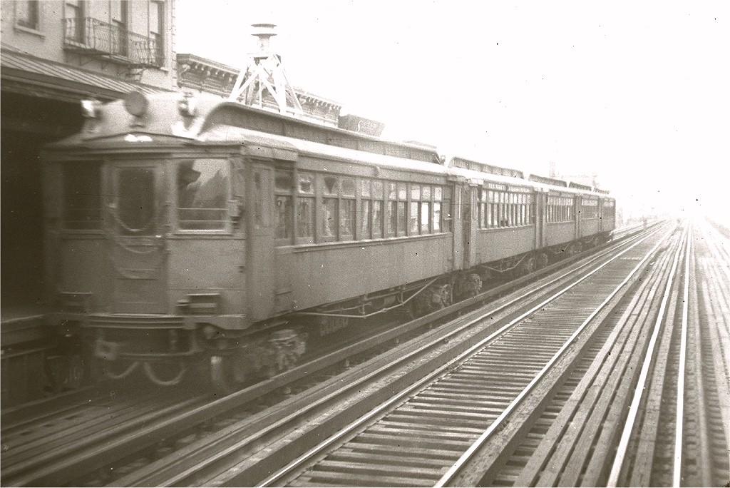 (195k, 1024x684)<br><b>Country:</b> United States<br><b>City:</b> New York<br><b>System:</b> New York City Transit<br><b>Line:</b> Manhattan El<br><b>Car:</b> MUDC  <br><b>Collection of:</b> Joe Testagrose<br><b>Viewed (this week/total):</b> 2 / 2710