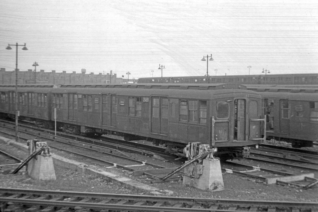 (233k, 1024x683)<br><b>Country:</b> United States<br><b>City:</b> New York<br><b>System:</b> New York City Transit<br><b>Location:</b> East New York Yard/Shops<br><b>Car:</b> BMT A/B-Type Standard 2469 <br><b>Collection of:</b> David Pirmann<br><b>Viewed (this week/total):</b> 3 / 2460