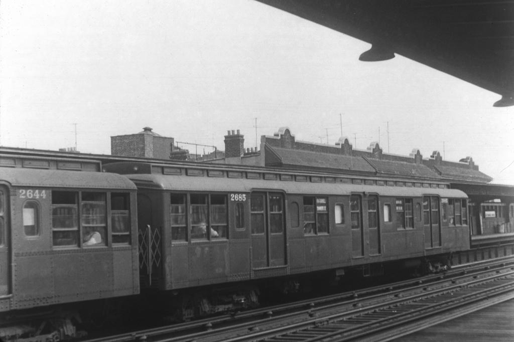 (180k, 1024x682)<br><b>Country:</b> United States<br><b>City:</b> New York<br><b>System:</b> New York City Transit<br><b>Line:</b> BMT Culver Line<br><b>Location:</b> Ditmas Avenue <br><b>Car:</b> BMT A/B-Type Standard 2685 <br><b>Collection of:</b> David Pirmann<br><b>Viewed (this week/total):</b> 0 / 2813