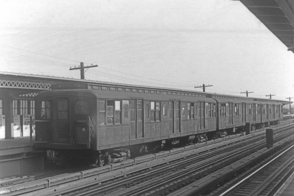 (194k, 1024x683)<br><b>Country:</b> United States<br><b>City:</b> New York<br><b>System:</b> New York City Transit<br><b>Line:</b> BMT Culver Line<br><b>Location:</b> Avenue I <br><b>Car:</b> BMT A/B-Type Standard 2839 <br><b>Collection of:</b> David Pirmann<br><b>Viewed (this week/total):</b> 0 / 3410