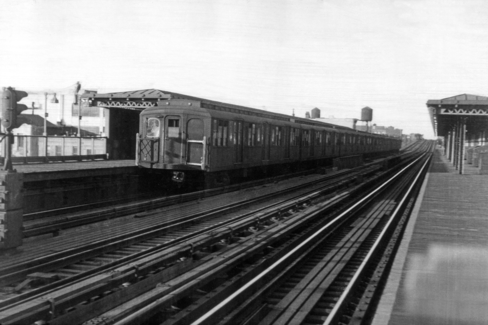 (142k, 1024x659)<br><b>Country:</b> United States<br><b>City:</b> New York<br><b>System:</b> New York City Transit<br><b>Line:</b> BMT Astoria Line<br><b>Location:</b> 39th/Beebe Aves. <br><b>Car:</b> BMT A/B-Type Standard  <br><b>Collection of:</b> Joe Testagrose<br><b>Viewed (this week/total):</b> 0 / 3098