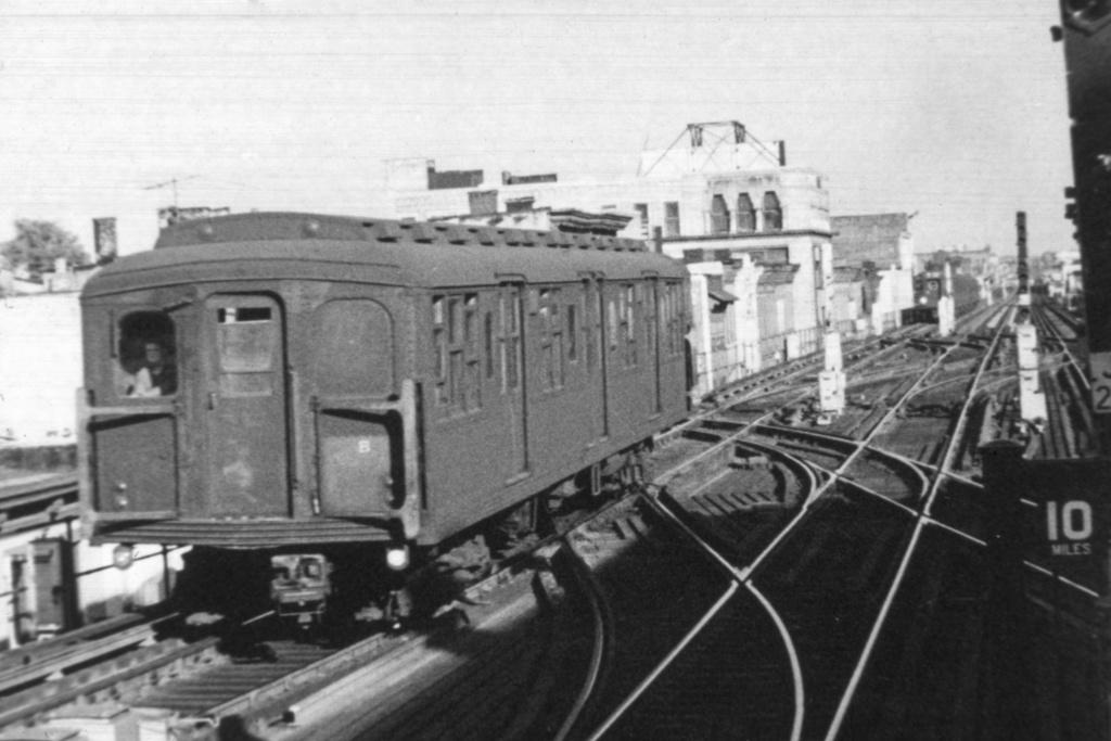 (266k, 1044x708)<br><b>Country:</b> United States<br><b>City:</b> New York<br><b>System:</b> New York City Transit<br><b>Line:</b> BMT Nassau Street/Jamaica Line<br><b>Location:</b> Myrtle Avenue <br><b>Car:</b> BMT A/B-Type Standard  <br><b>Collection of:</b> David Pirmann<br><b>Viewed (this week/total):</b> 0 / 3751