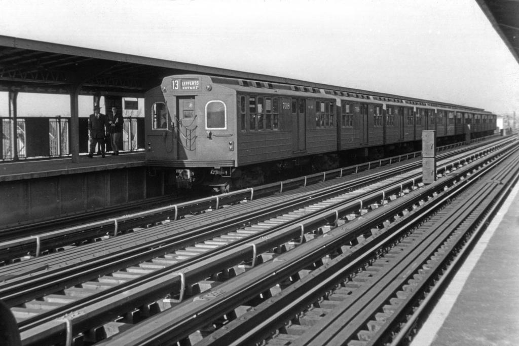 (237k, 1024x682)<br><b>Country:</b> United States<br><b>City:</b> New York<br><b>System:</b> New York City Transit<br><b>Line:</b> IND Fulton Street Line<br><b>Location:</b> 111th Street/Greenwood Avenue <br><b>Car:</b> BMT Multi 7018 <br><b>Collection of:</b> David Pirmann<br><b>Viewed (this week/total):</b> 4 / 3765