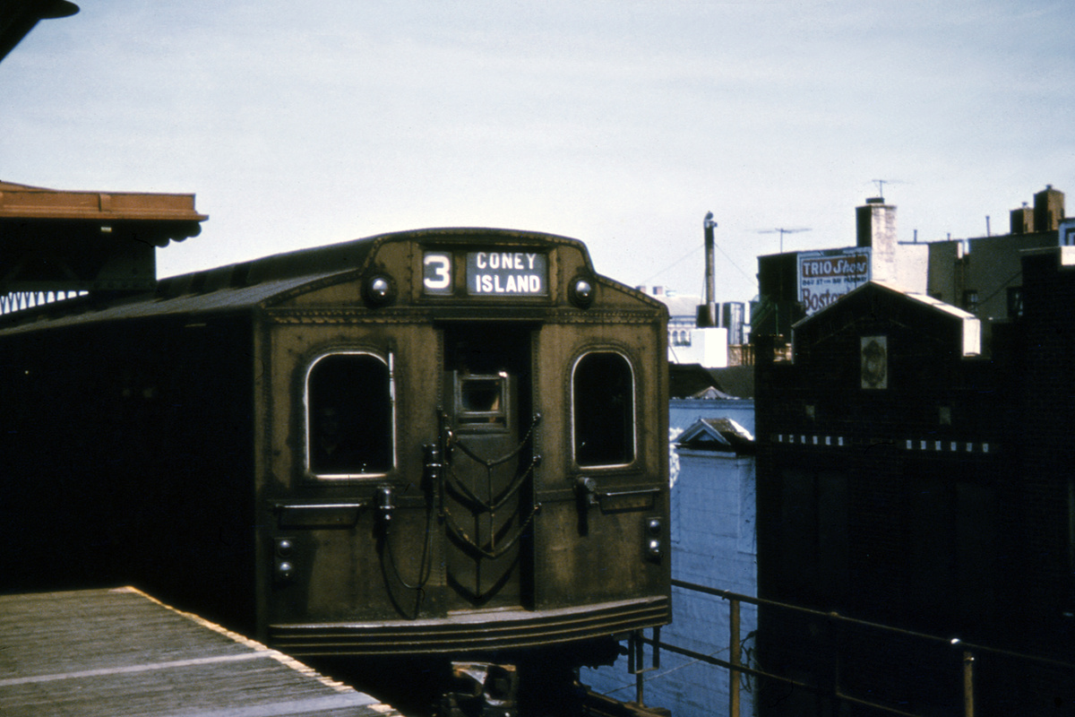 (372k, 1024x682)<br><b>Country:</b> United States<br><b>City:</b> New York<br><b>System:</b> New York City Transit<br><b>Line:</b> BMT West End Line<br><b>Location:</b> Bay Parkway <br><b>Route:</b> Fan Trip<br><b>Car:</b> BMT Multi  <br><b>Collection of:</b> David Pirmann<br><b>Date:</b> 7/22/1961<br><b>Viewed (this week/total):</b> 0 / 4111
