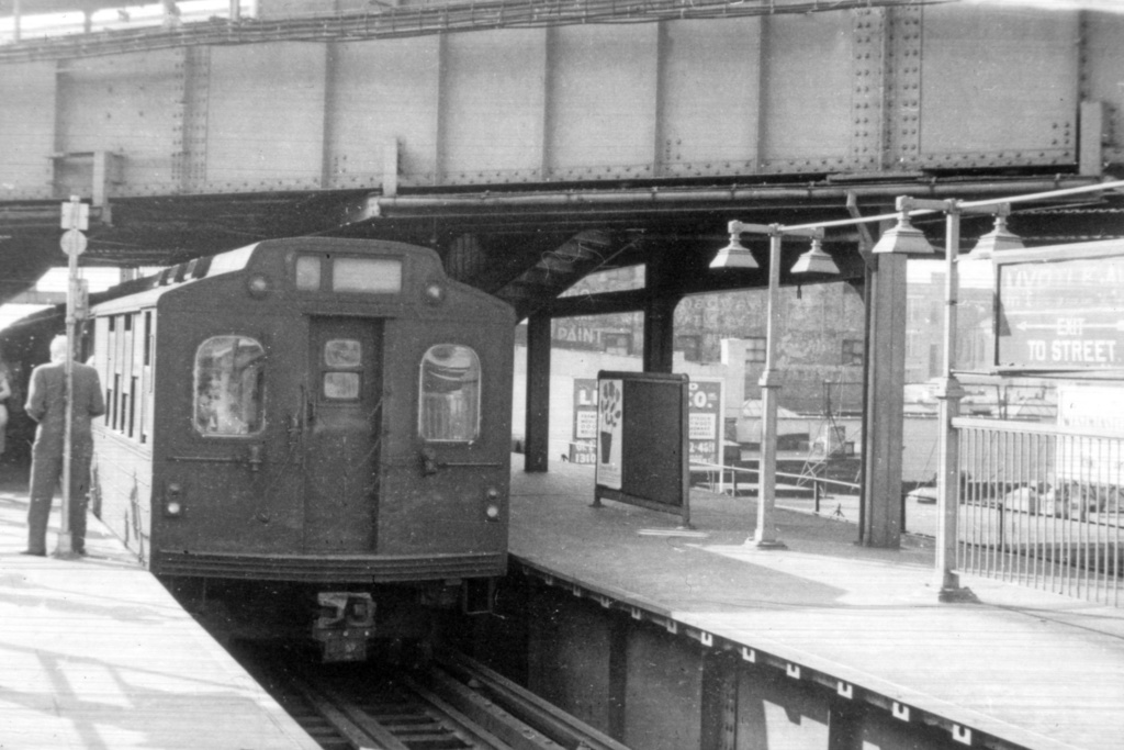 (336k, 1044x689)<br><b>Country:</b> United States<br><b>City:</b> New York<br><b>System:</b> New York City Transit<br><b>Line:</b> BMT Nassau Street/Jamaica Line<br><b>Location:</b> Myrtle Avenue <br><b>Car:</b> BMT Multi  <br><b>Collection of:</b> David Pirmann<br><b>Viewed (this week/total):</b> 0 / 3786