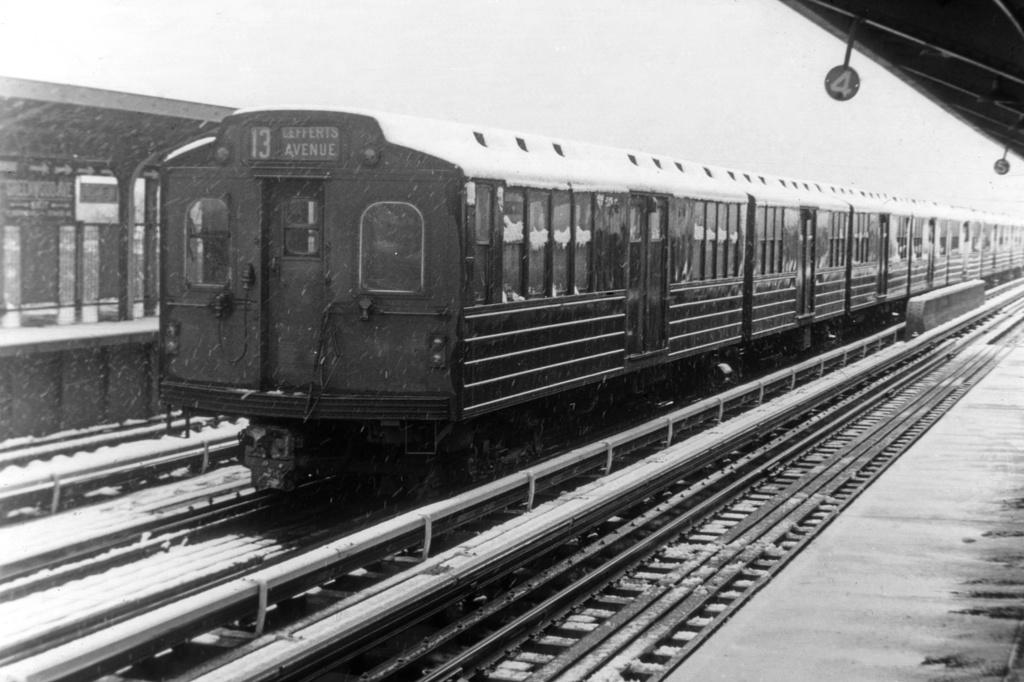 (235k, 1024x682)<br><b>Country:</b> United States<br><b>City:</b> New York<br><b>System:</b> New York City Transit<br><b>Line:</b> IND Fulton Street Line<br><b>Location:</b> 111th Street/Greenwood Avenue <br><b>Car:</b> BMT Multi  <br><b>Collection of:</b> David Pirmann<br><b>Viewed (this week/total):</b> 12 / 4518