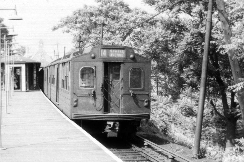 (343k, 1044x706)<br><b>Country:</b> United States<br><b>City:</b> New York<br><b>System:</b> New York City Transit<br><b>Line:</b> BMT Myrtle Avenue Line<br><b>Location:</b> Metropolitan Avenue <br><b>Car:</b> BMT Multi  <br><b>Collection of:</b> David Pirmann<br><b>Viewed (this week/total):</b> 2 / 3608